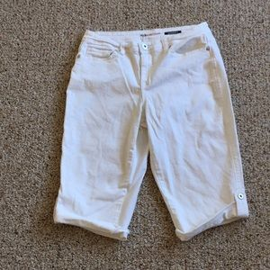 Style & Co. Denim white Capri pants